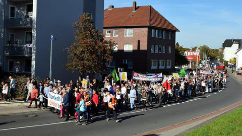Almanya'daki cami saldırısına protesto