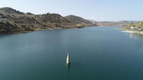 İşte baraj altında kalan köy camisinin minaresi