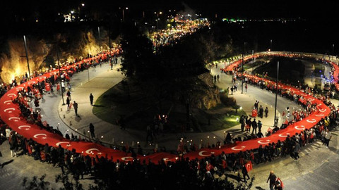 Fener alayında 600 metrelik Türk bayrağı