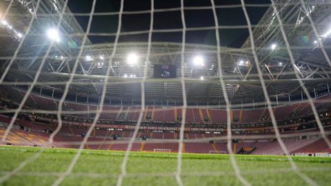 Galatasaray'a haftanın açılış maçında Konyaspor'a puan kaybetti