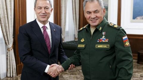 Milli Savunma Bakanı Akar, Rus mevkidaşı Sergey Şoygu'yla görüştü
