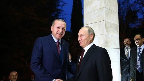 Putin: S-400 satışı dolarla olmadı