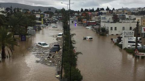 Yağış Bodrum'u vurdu
