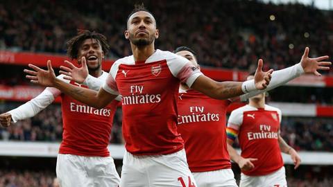 Arsenalli futbolcuya ırkçı saldırı