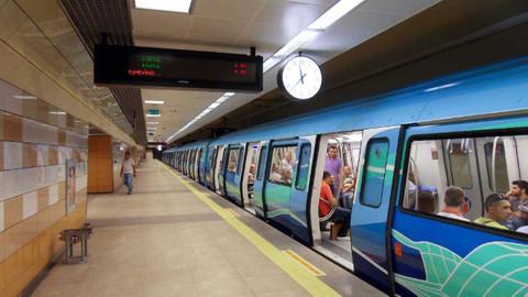 Osmanbey metrosunda bir kişi raylara atlayarak intihar etti
