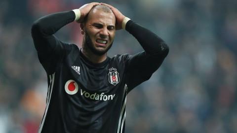 Beşiktaş'ta 2 futbolcu için karar değişti