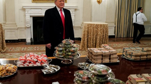Trump misafirlerine hamburger söyledi
