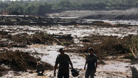 Brezilya'da baraj çöktü