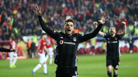 Beşiktaş Antalya deplasmanında gol olup yağdı