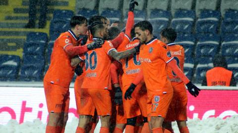 Medipol Başakşehir 3 puanı 3 golle aldı