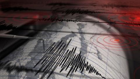 Endonezya'da 5,3 büyüklüğünde deprem meydana geldi