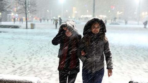 İstanbul'da kar yağışı... İstanbul bembeyaz