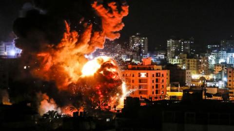 İsrail ateşkese rağmen Gazze'yi vurmaya devam etti