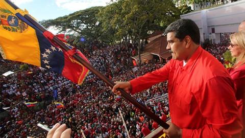 Maduro destekçileri sokağa iniyor!