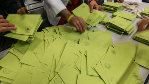 İstanbul'da 19 ilçede oylar yeniden sayılıyor