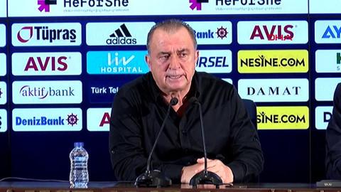 Fatih Terim maçın hakemine isyan etti, çok sert açıklamalarda bulundu