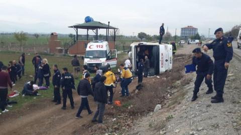 Denizli'de otobüs devrildi: Çok sayıda yaralı var