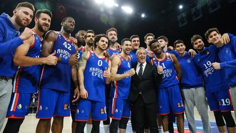THY Euroleague Ligde Anadolu Efes, Barcelona Lassa'yı devirdi!