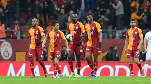 Galatasaray 3 attı 3 aldı