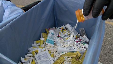362 bin kilo ilaç çöpe atıldı
