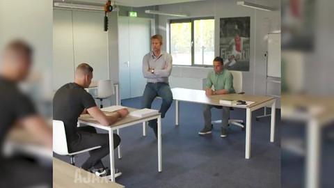 Ajax yeni kalecisi Kjell Scherpen'e ilginç videoyla duyurdu