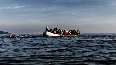 Balıkesir'de tekne battı; 9 göçmen öldü.