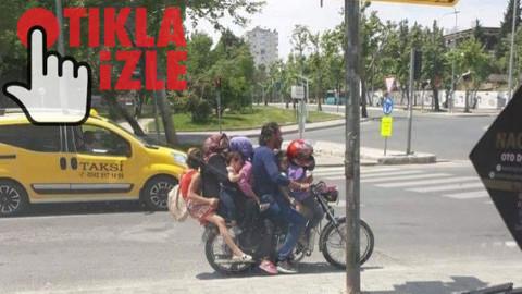 7 kişilik bir aile motosiklet üzerinde tehlikeli şekilde yolculuk yaptı
