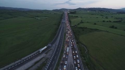 Tatilciler dönüyor, trafikte son durum
