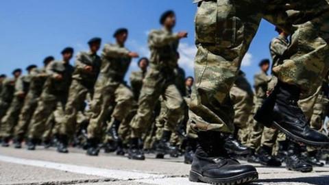 Yeni askerlik sisteminde askerliği 6 aya düşüren madde TBMM'de kabul edildi