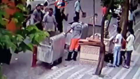 Temizlik işçisine baltalı saldırı kamerada