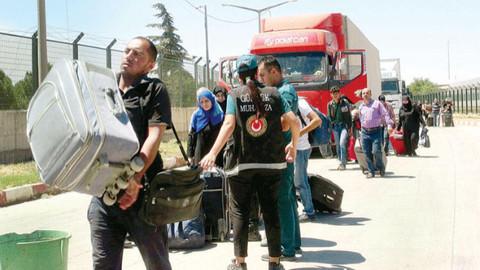 Bayram için ülkelerine gitmişlerdi! 11 bin Suriyeli geri geldi