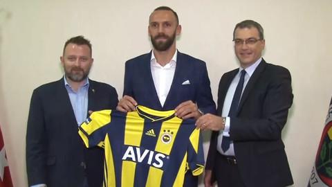 Vedat Muriqi Fenerbahçe forması giydi
