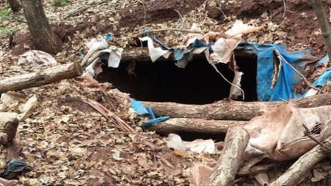 Kars'ta teröristlere ait 10 sığınak imha edildi