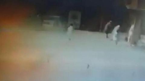 Pakistan'da canlı bombalı saldırı!