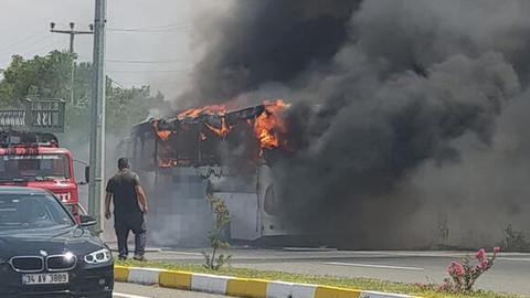 Balıkesir'de yolcu otobüsü yandı: 5 kişi hayatını kaybetti!