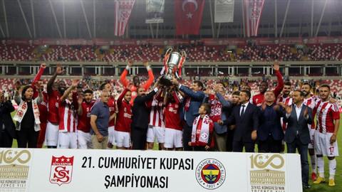 Fenerbahçe, Cumhuriyet Kupası'nda ikinci oldu