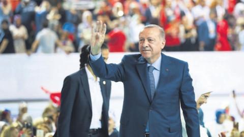 Erdoğan 18. yıl için mesaj yayımladı: Dün bitti, geçti gitti, bugün yeni bir gündür!