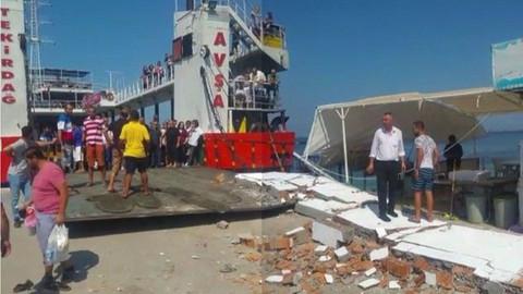 Feribot iskeleye çarptı: 4'ü çocuk 7 yaralı!