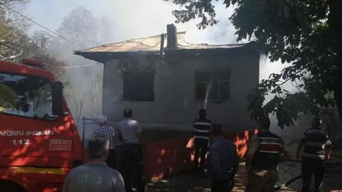 Müstakil ev yangında kül oldu
