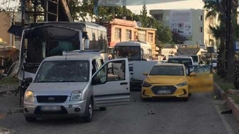 Özel harekat polislerini taşıyan araca saldırı düzenleyen teröristler etkisiz hale getirildi