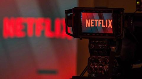 Netflix: Size emoji yollarım ama USB'li bir zarf asla yollamam