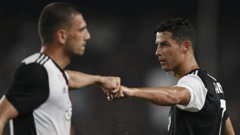 Ronaldo'dan Merih Demiral'a asker selamı!