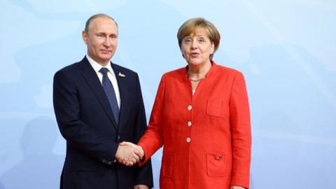 Putin ve Merkal arasında kritik görüşme
