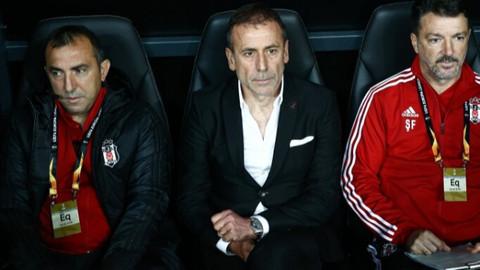 Taraftarlar Abdullah Avcı'yı istifaya davet etti