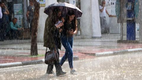 Meteoroloji uyardı: 27 kentte sağanak yağış var!