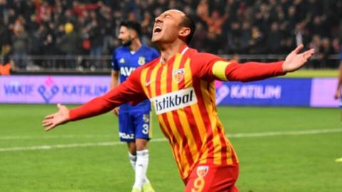 Fenerbahçe liderlik şansını tepti