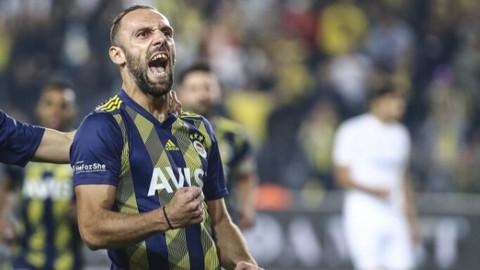 Fenerbahçe maç fazlasıyla liderliğe yükseldi