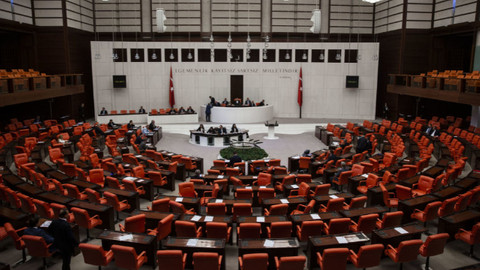 Meclis'te konuştu! Suriyeli öğrenciden askerlik önerisi