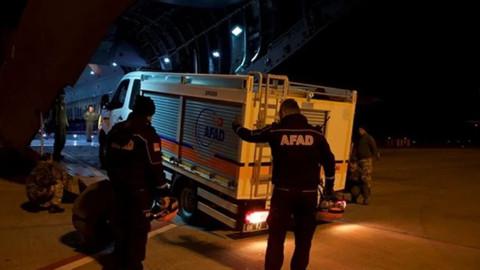 Türkiye'nin yardım uçağı Arnavutluk'ta