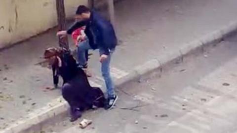 Sokakta eşine şiddet uygulamıştı